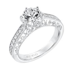 Vintage Diamond Prong Set Engagement Ring and Matching Band